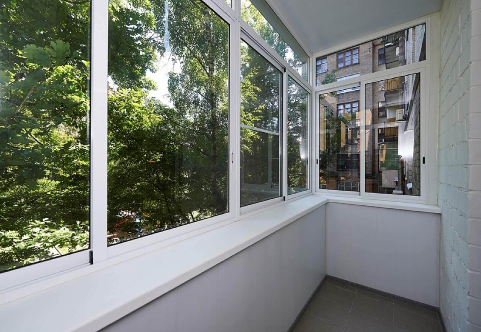 Остекление лоджий и балконов - алюминиевые системы.