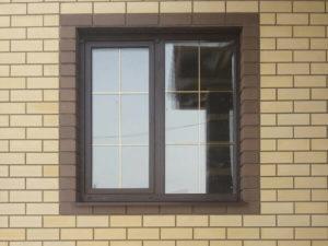 Ламинированное пластиковое окно с раскладкой