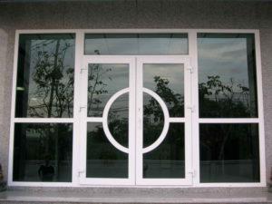 Фигурная входная дверь ПВХ